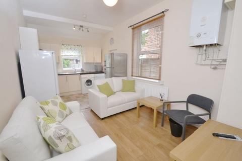 5 bedroom house to rent - Mabfield Road