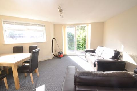 6 bedroom house to rent - Birchfields Road, Manchester