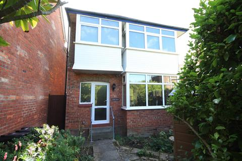 3 bedroom detached house for sale - Detached House, Southerly Garden. Nr Beach