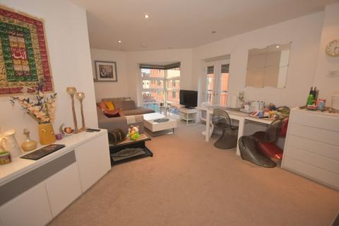 2 bedroom apartment for sale - Quinney Crescent, Manchester, M16 7DD