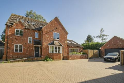 5 bedroom detached house to rent - Common Farm Lane, Flitwick