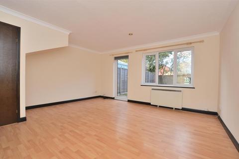 3 bedroom terraced house to rent - Langshott, Horley, Surrey, RH6
