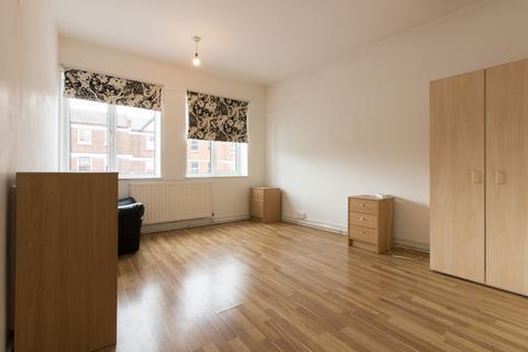 3 bedroom flat to rent - Eltham High Street, Eltham, SE9