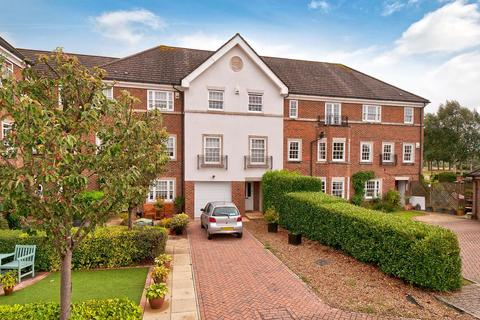 5 bedroom terraced house for sale - Cleeve Court, Kings Hill, ME19 4LP