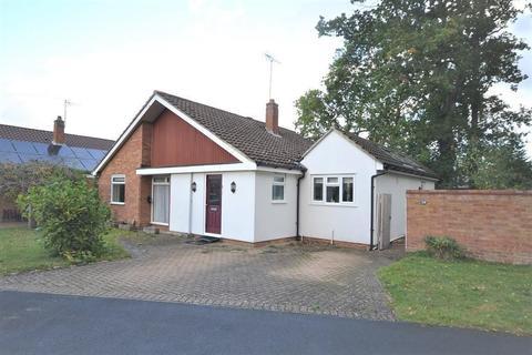 3 bedroom bungalow for sale - Marchwood Avenue, Emmer Green, Reading