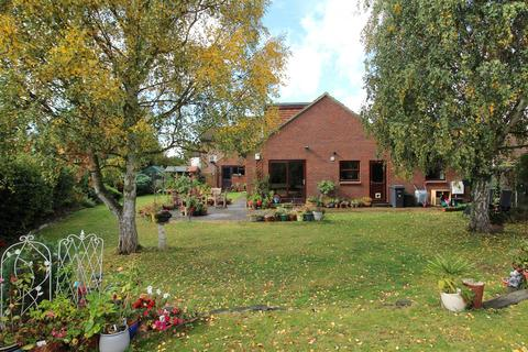 4 bedroom chalet for sale - Roxwell Avenue, Chelmsford, Essex, CM1