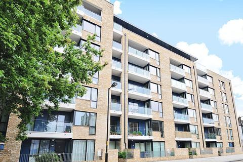 3 bedroom flat for sale - Boyson Road, Walworth