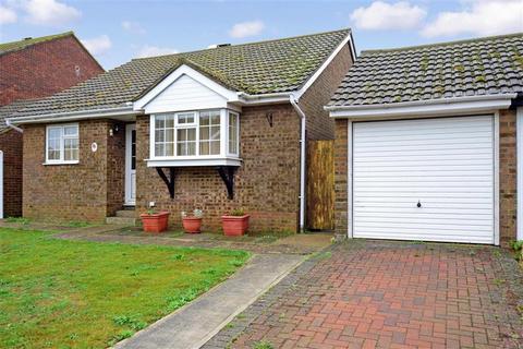 2 bedroom detached bungalow for sale - Linthouse Close, Peacehaven, East Sussex