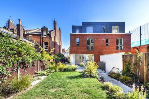 4 bedroom semi-detached house for sale - Winchester Place, Highgate Village, London, N6