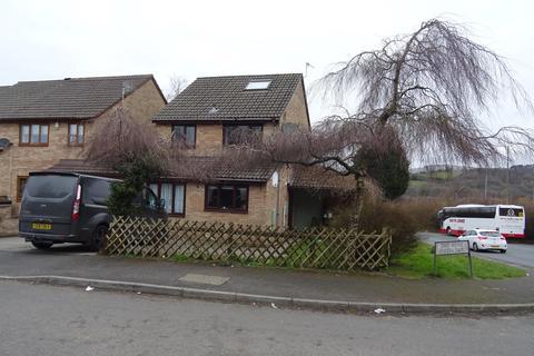 3 bedroom semi-detached house to rent - Davis Avenue, Bryncethin, Bridgend, CF32 9JJ