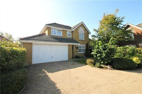 4 bedroom detached house for sale - Manor Park, Staines-upon-Thames, Surrey, TW18