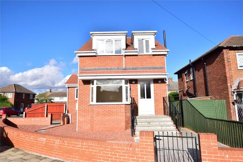 3 bedroom detached house for sale - Springway Crescent, Grimsby, Lincolnshire, DN34