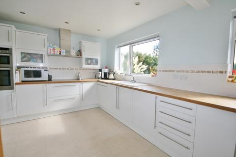 4 bedroom detached house to rent - Longhill Close, Ovingdean, Brighton BN2
