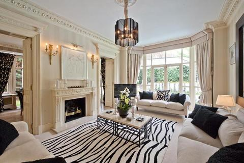 8 bedroom house to rent - Frognal, NW3