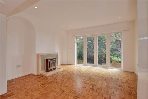 3 bedroom detached house for sale - Hillside Street, Hythe, Kent