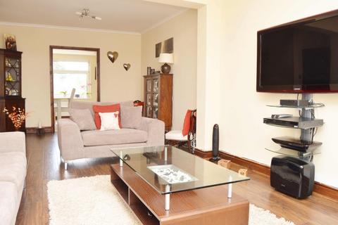 5 bedroom semi-detached house for sale - Woodstock Avenue, Romford