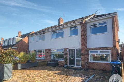 4 bedroom semi-detached house for sale - Saxty Way, Thirsk