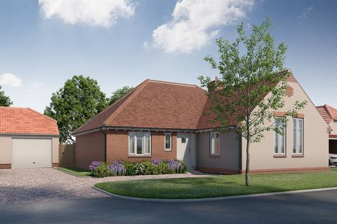 3 bedroom detached bungalow for sale - The Street, Wickham Bishops, CM8 3NN