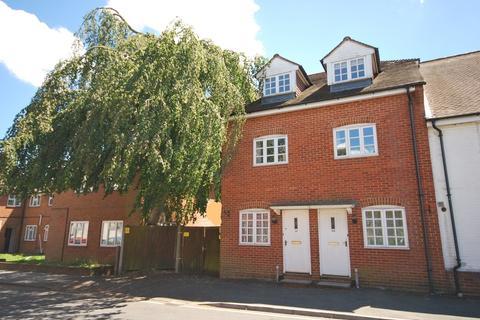 3 bedroom end of terrace house for sale - West Street, Farnham