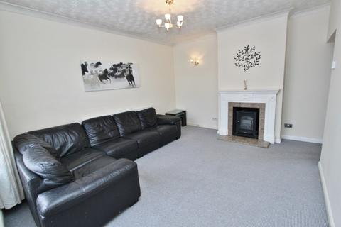 1 bedroom flat for sale - Brentwood Road, Romford, RM1