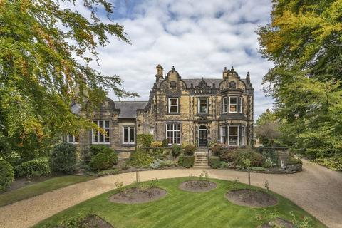 6 bedroom semi-detached house for sale - Monk Bridge Road, Leeds