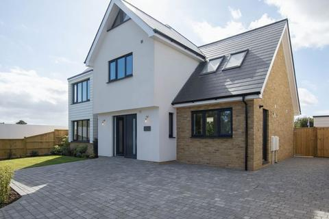 4 bedroom detached house for sale - Off Canterbury Road East, Ramsgate