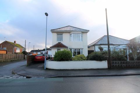 3 bedroom detached house for sale - Avenue Road, Christchurch