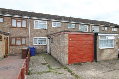 3 bedroom terraced house for sale - Portsea Road, Tilbury