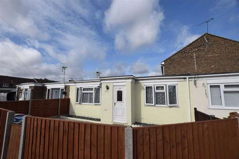 1 bedroom terraced bungalow for sale - Boyce Road, Stanford-le-hope, Essex
