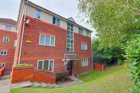 1 bedroom flat for sale - Ashford Court, Overcliff Road, Grays