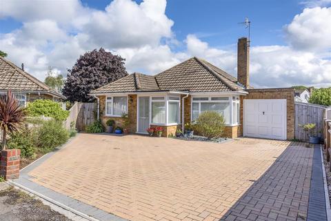 3 bedroom detached bungalow for sale - Farm Close, Seaford