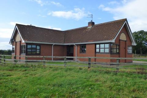 4 bedroom detached bungalow to rent - Stony Lane, Newport