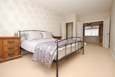 5 bedroom semi-detached house for sale - Woodstock Avenue, Harold Park, RM3