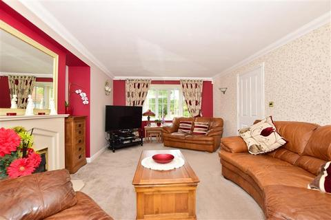 4 bedroom detached house for sale - Leet Close, Eastchurch, Sheerness, Kent