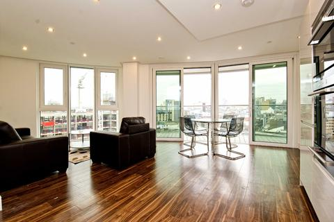 3 bedroom apartment to rent - Altitude Point, 71 Alie Street, Aldgate, E1