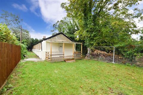 3 bedroom detached bungalow for sale - Third Avenue, Eastchurch, Sheerness, Kent