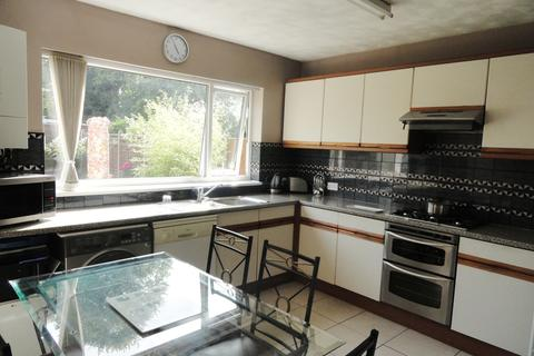 3 bedroom semi-detached house to rent - Wyvern Avenue LE4