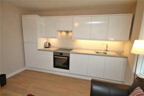 2 bedroom flat for sale - Chetwode Road, Tadworth