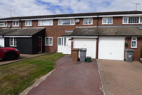 3 bedroom terraced house to rent - Petunia Crescent, Chelmsford CM1