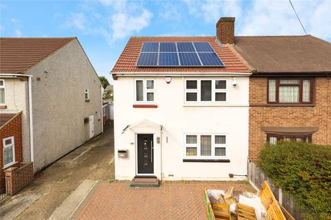 3 bedroom semi-detached house for sale - Langdale Gardens, Hornchurch, RM12
