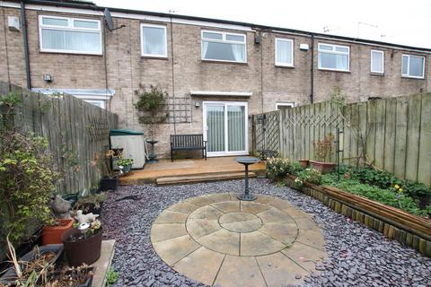 3 bedroom house to rent - Dalwood Close, HU7