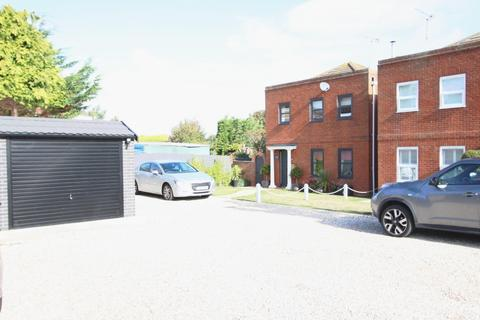 3 bedroom detached house for sale - The Courtyard, Deal, CT14