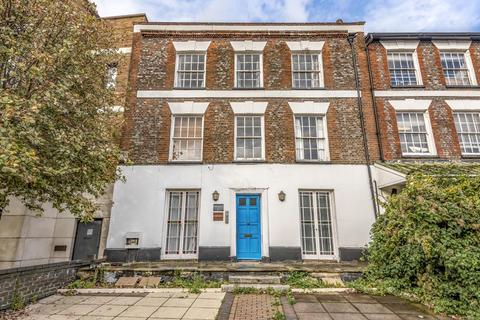 3 bedroom apartment to rent - High Wycombe, Buckinghamshire, HP11