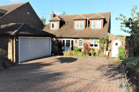 3 bedroom detached house for sale - Frieth Road, Marlow