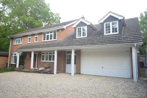 5 bedroom detached house to rent - Lane End Ashford Hill Road Headley