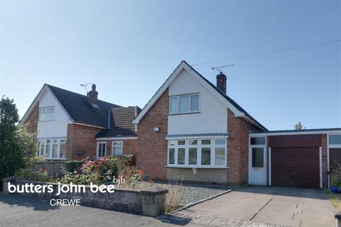 3 bedroom semi-detached house for sale - Tennyson Avenue, Crewe