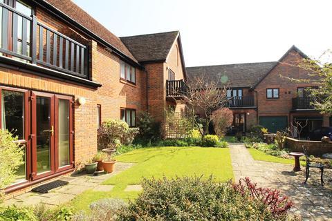 2 bedroom ground floor maisonette to rent - Alders Court, Station Road, Alresford