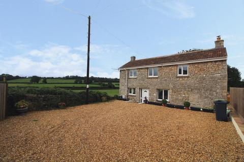 2 bedroom cottage for sale - A charming detached cottage!