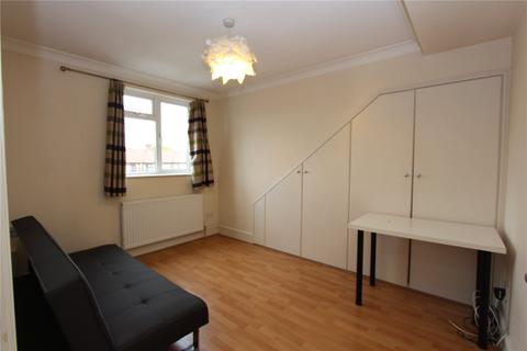1 bedroom flat to rent - North Circular Road, Palmers Green, London, N13