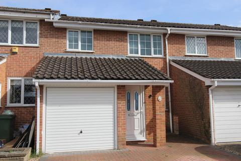 3 bedroom terraced house to rent - Melville Close, Uxbridge, UB10